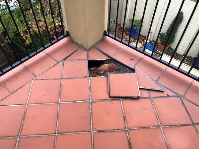 Goteras en el balcón: si hay balcón, habrá filtraciones
