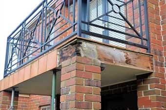 Daños estructurales en el balcón