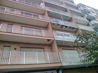 goteras en los balcones del edificio