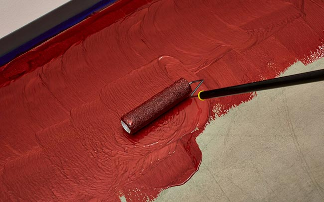 Aplicando elastomero impermeabilizante sin quitar el suelo