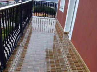 Humedades en el balcón: toca una impermeabilización