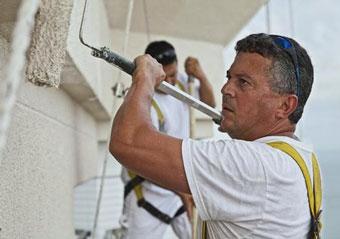 Impermeabilizar muros exteriores jugando con el color