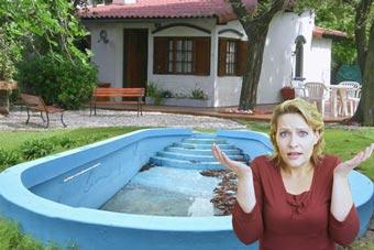 La piscina pierde agua y es vieja