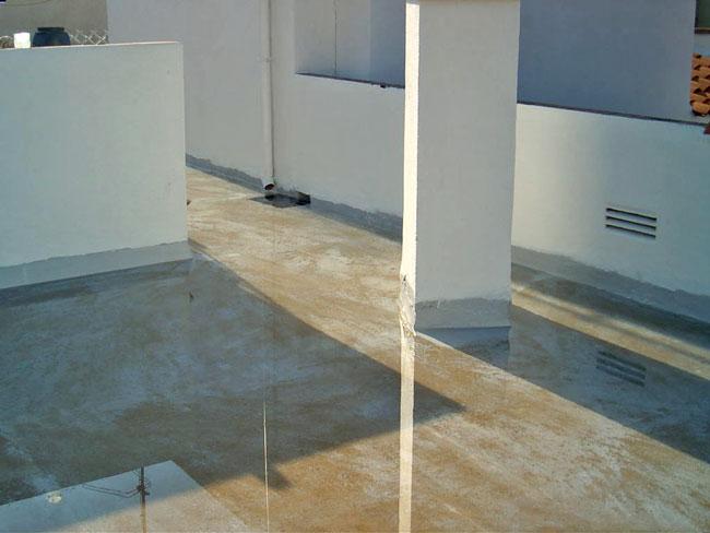 Llenado de agua del techo