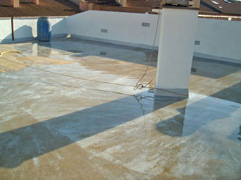 La prueba de inundación en el techo