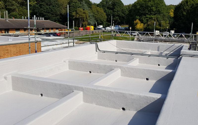 Impermeabilización de la cubierta compleja de la planta de tratamiento