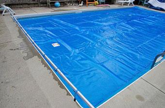 ¿Por que la piscina pierde agua en el invierno?