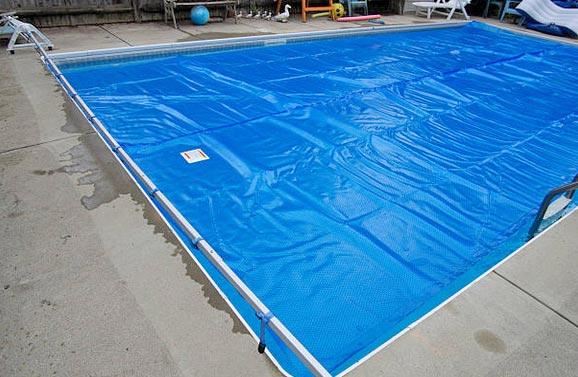 Por que la piscina pierde agua en invierno