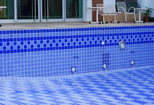 Porque son tan costosas las piscinas