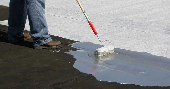 Sin quitar el suelo: impermeabilización fibrada ultra reflectiva