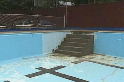 Impermeabilización y reparación de acceso a la piscina