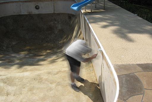 Impermeabilización y reparación del revestimiento de la piscina